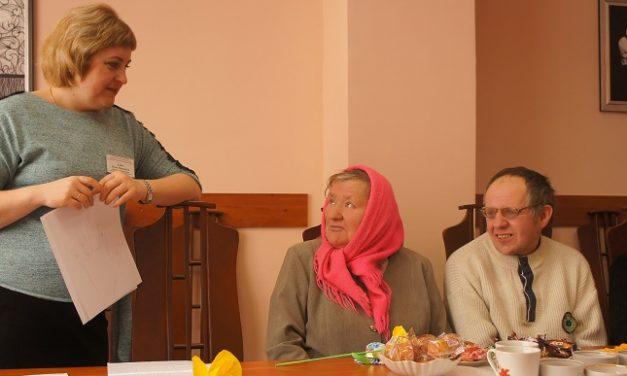 Конкурсно-развлекательная программа «Среди весенних первых дней 8 Марта всех дороже…» в ТЦСОН Ивьевского района