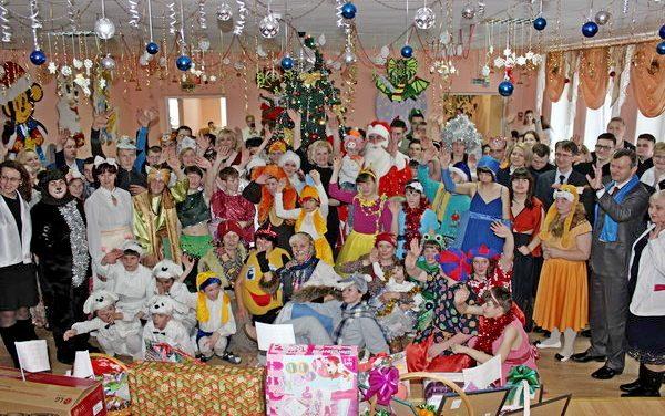 Новогоднее представление в Василишковском доме-интернате