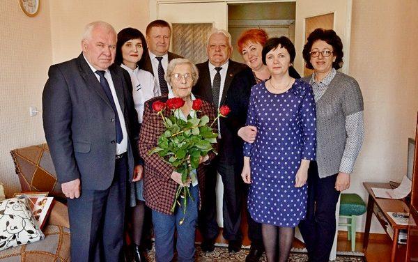 Поздравили ветерана войны с 90-летним юбилеем