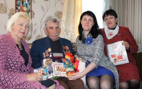 Поздравление ветеранов Великой Отечественной войны  в Дятлово