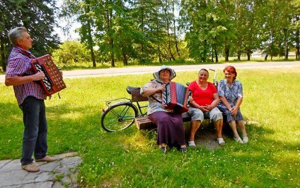 Культурно-досуговые маршруты для пожилых людей  в Ивьевском районе