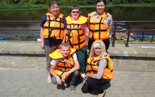 Занятие по безопасности на воде для молодых инвалидов Октябрьского района г.Гродно