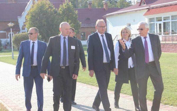 С рабочим визитом Щучинщину посетил заместитель Министра труда и социальной защиты Республики Беларусь В.В. Ковальков