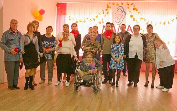 Праздничное мероприятие в отделении дневного пребывания для инвалидов Зельвенского ЦСОН «О той, кто дарует нам жизнь и тепло…»