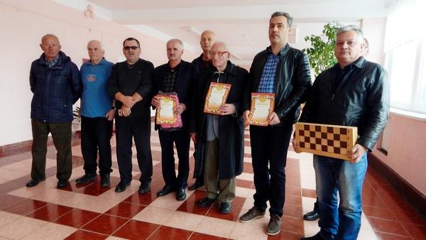 Межрайонный шашечный турнир для пожилых проведен в Ивьевском районе