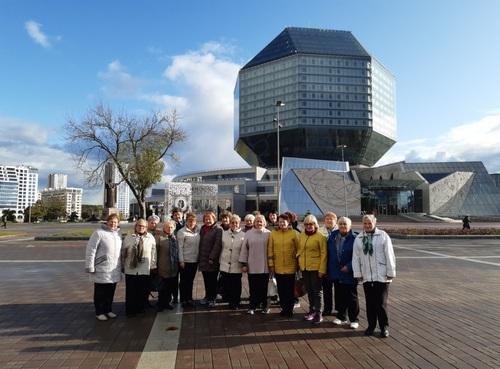 Посетители отделения для пожилых граждан Гродненского ТЦСОН и представители сообщества «Дети войны» посетили с экскурсией город -герой Минск