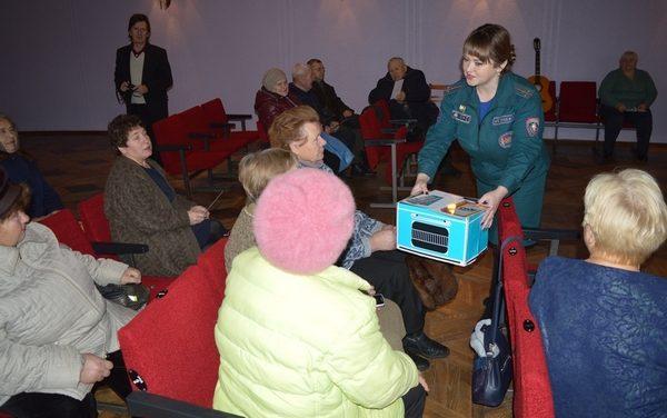 Акция «Безопасность вместе» на деревенских посиделках в Новогрудском районе