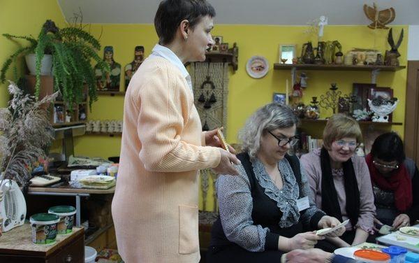 Мастер-класс для посетителей отделения дневного пребывания для граждан пожилого возраста Берестовицкого ТЦСОН