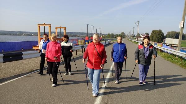 Мини-марафон «Бодрое утро» в Зельвенском ЦСОН