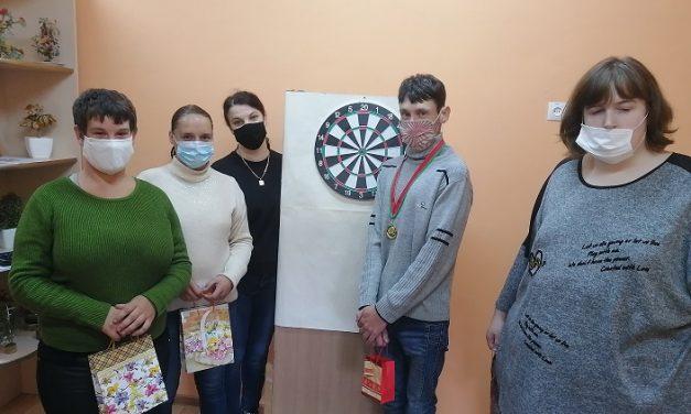 Турнир по игре в дартс состоялся в Вороновском ТЦСОН