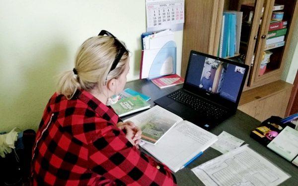Онлайн-занятия в секторе дневного пребывания для инвалидов в Гродненском районном территориальном центре социального обслуживания населения