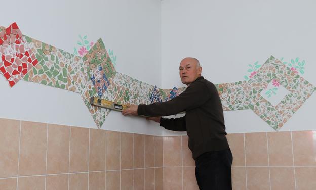 «Галерея счастья» в ОКП д. Лукашино от местного художника