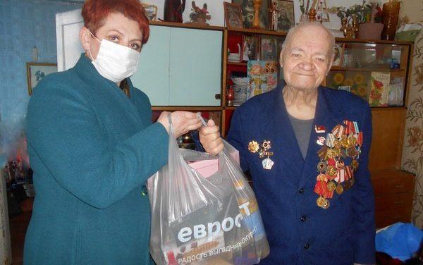 Поздравления и подарки ветеранам в Вороновском районе
