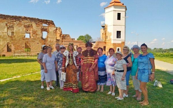 Экскурсия в Гольшанский замок для пожилых людей