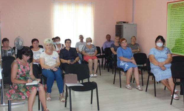 Член Совета Республики Национального собранияРеспублики Беларусь встретилась с коллективомЦСОН Кореличского района